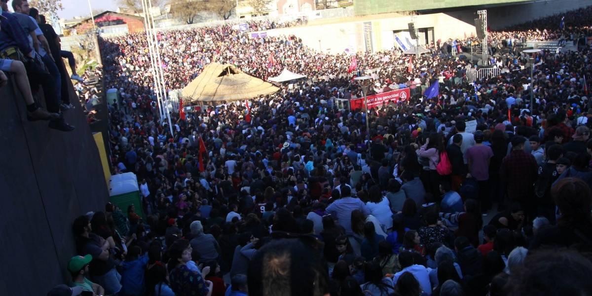 Acto multitudinario reunió a ciudadanos en el Museo de la Memoria tras dichos de Mauricio Rojas