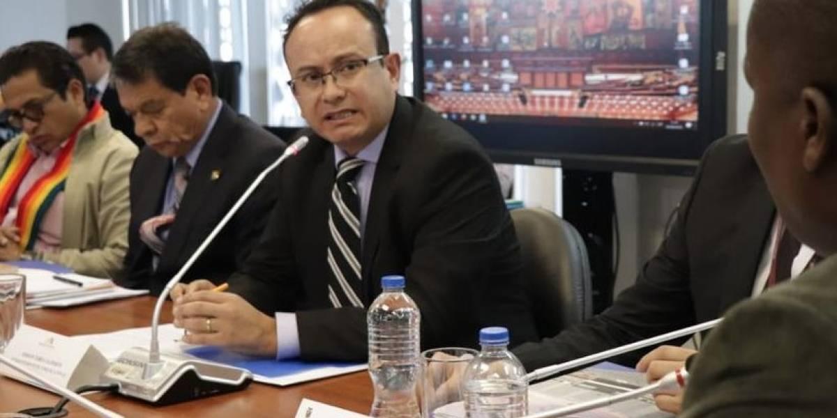 Supercom suspende viajes y uso de vehículos de la institución