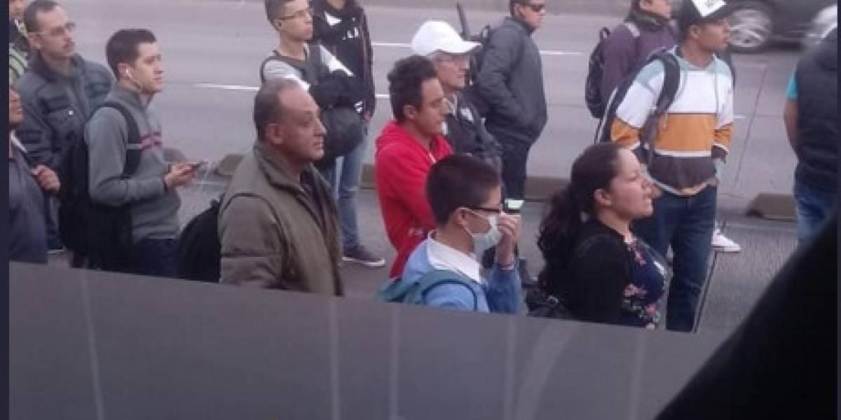 Bloqueo en Estación Simón Bolívar de TransMilenio frena la operación de la troncal NQS