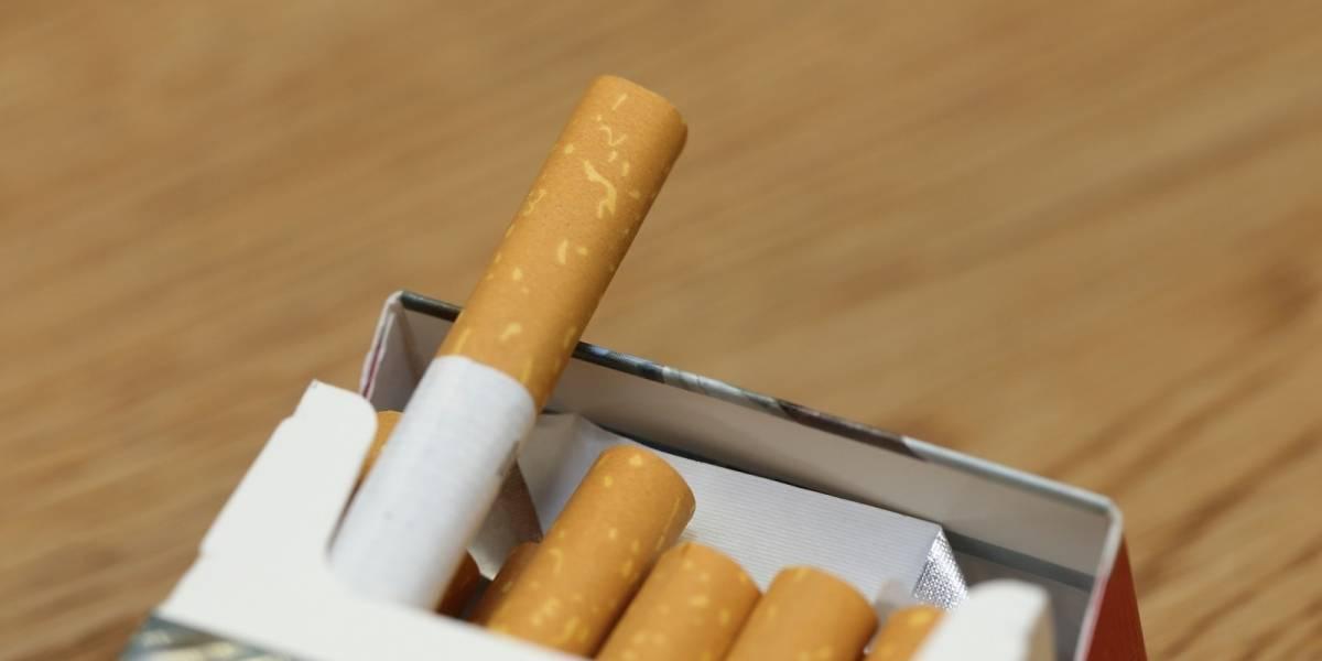 Niño de dos año fuma 40 cigarrillos al día
