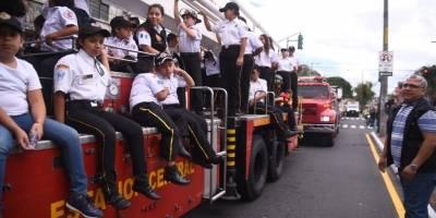 Desfile 67 aniversario de Bomberos Voluntarios