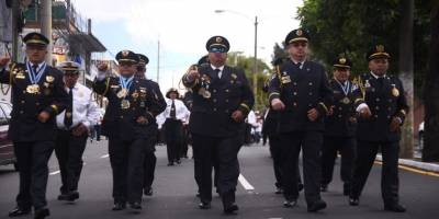 desfile67aniversariobomberosvoluntarios6-0fcb2015bddd8a34dd8e4259864e10c3.jpg