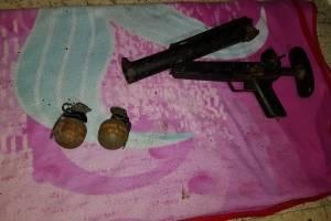 Dos explosivos y un lanzagranadas: