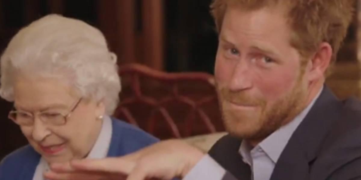 El divertido video del príncipe Harry y la reina Isabel II junto a los Obama con el que morirás de risa