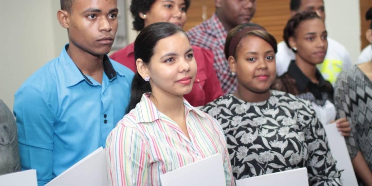 Ministerio de la Juventud otorgará 1,000 becas para área tecnológica