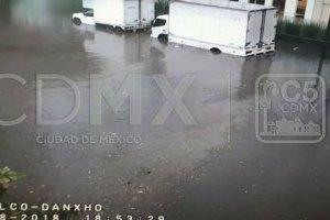 Lluvia y granizo deja fuertes inundaciones en Miguel Hidalgo