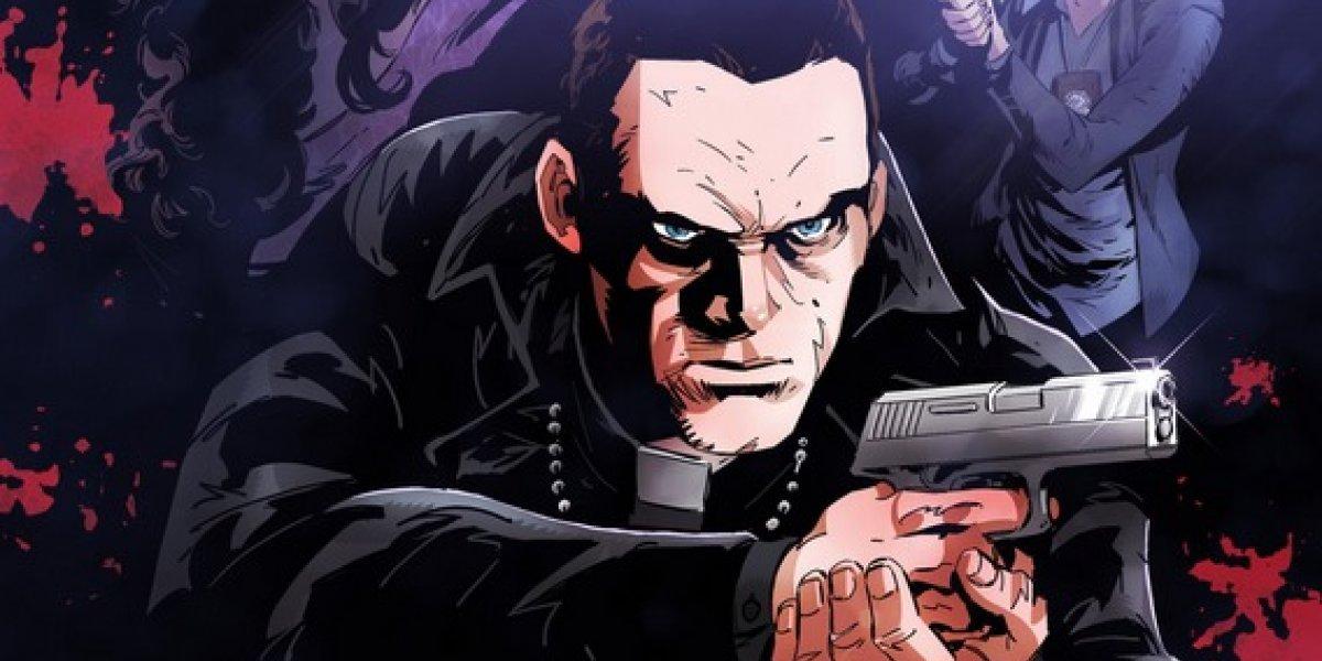 Un sacerdote perseguido toma las armas, en un cómic