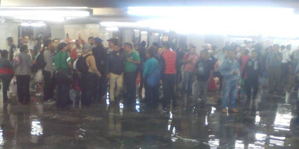 Lluvia causa caos en el oriente de la CDMX