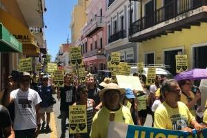 La marcha partió desde la Plaza Colón hacia La Fortaleza en Viejo San Juan. / Foto: David Cordero Mercado