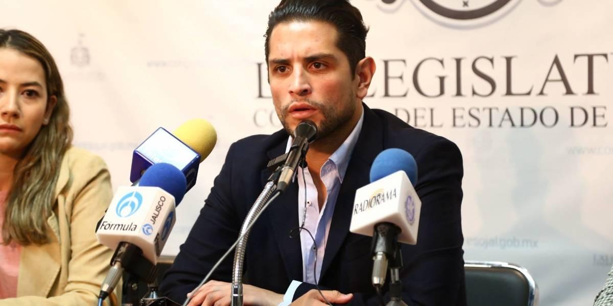 El diputado Enrique Aubry protagoniza otro altercado, ahora con un legislador local