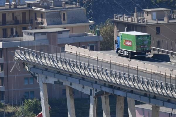 camionero puente en Génova