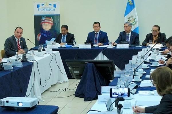En la reunión del Conasan autoridades buscan fondos para atender a damnificados.