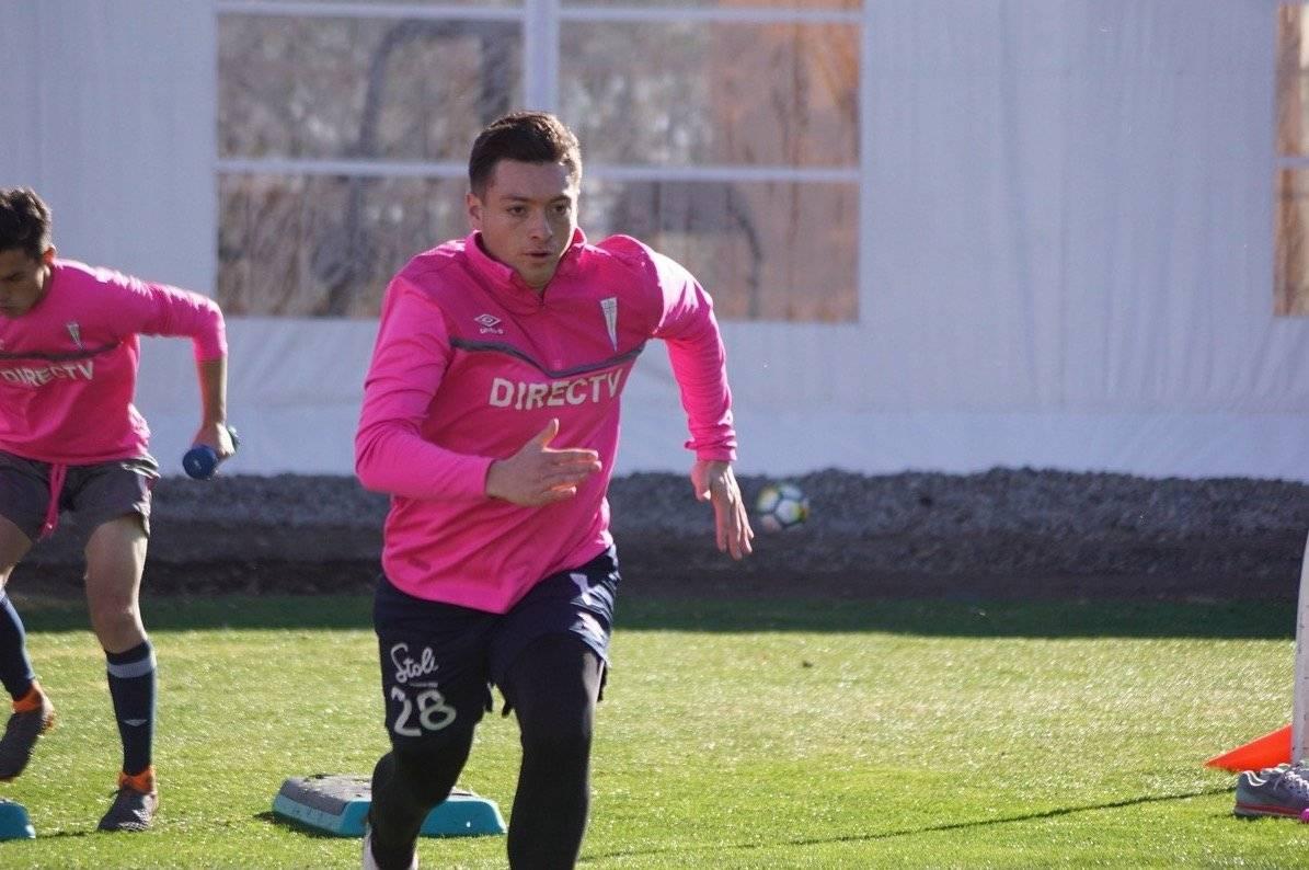 Yerco Oyanedel podría reemplazar al lesionado Cristián Álvarez en la UC / Foto: cruzados.cl