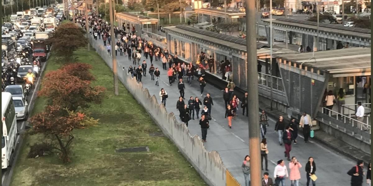 Usuarios reportan bloqueos en TransMilenio cerca al Portal de las Américas