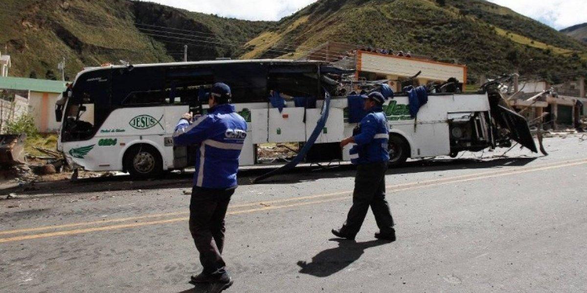 Capturan a vinculados en droga de autobús accidentado en la vía Pifo-Papallacta