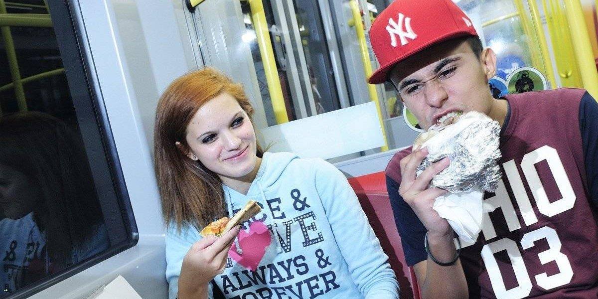 Prohiben comer en el Metro de Viena