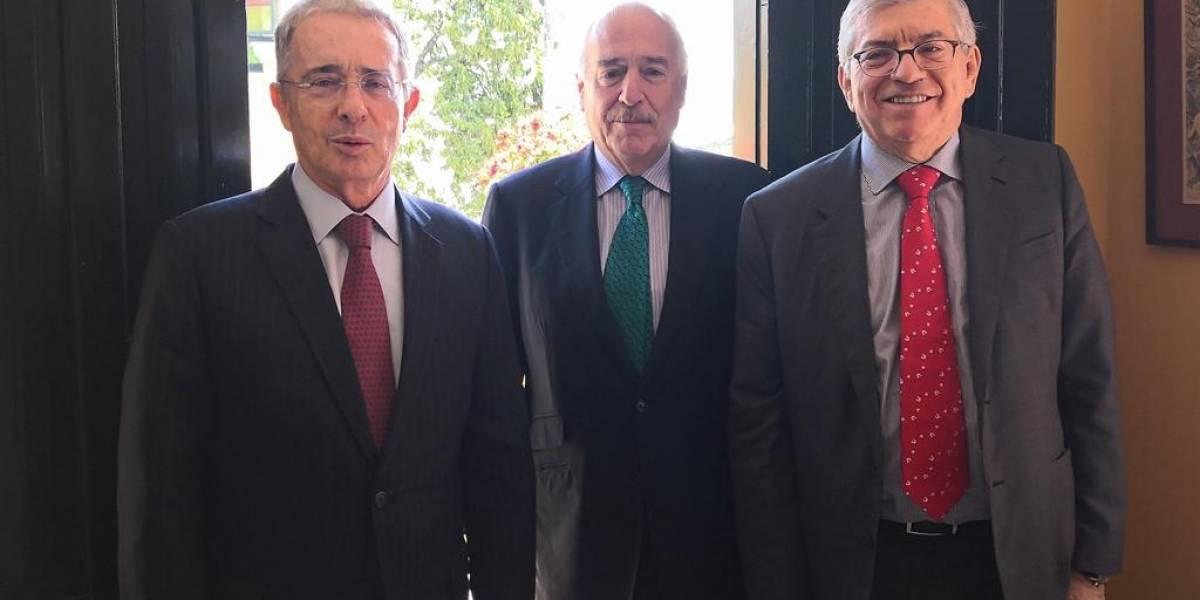 ¿Qué hacían juntos? Histórica reunión entre Pastrana, Gaviria y Uribe