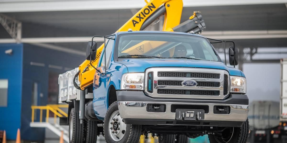 Con el F-4000 4x4 y otros tres camiones, Ford refuerza su línea Cargo