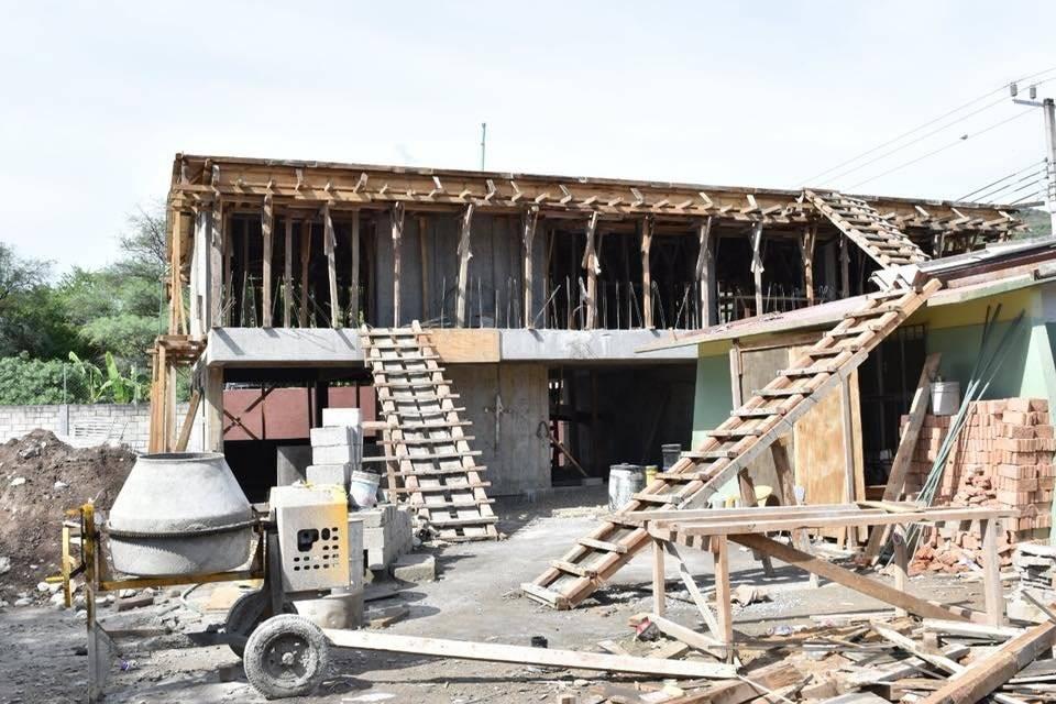 Algunas escuelas tuvieron que ser reconstruidas en su totalidad. Foto: Facebock @AstudilloFloresHector