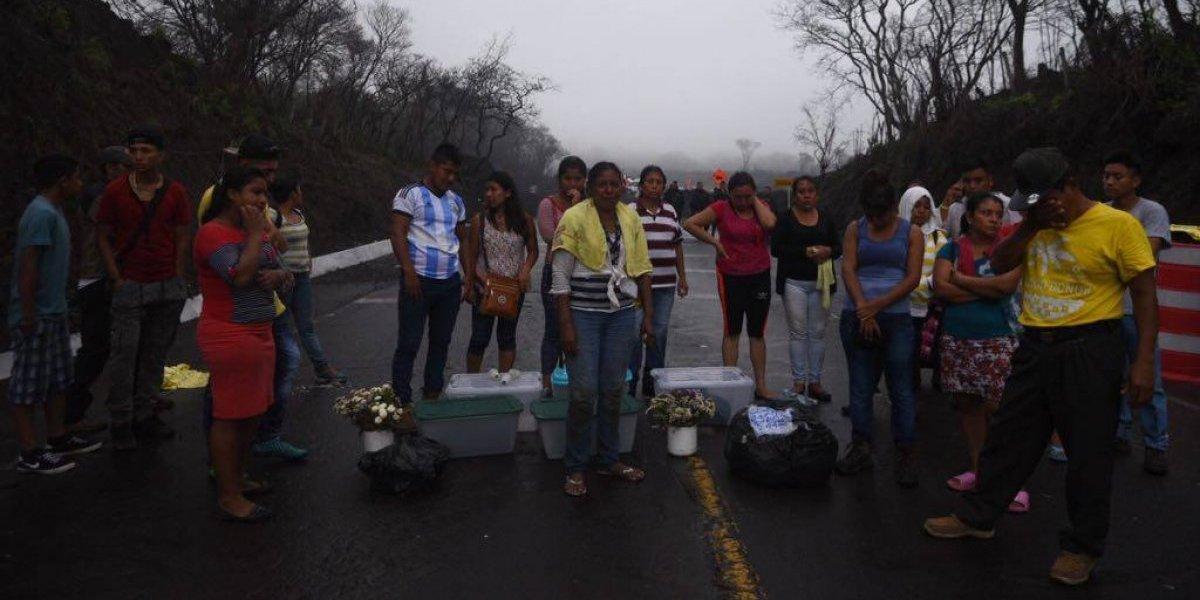 Vecinos de San Miguel Los Lotes impiden reinauguración de carretera RN14