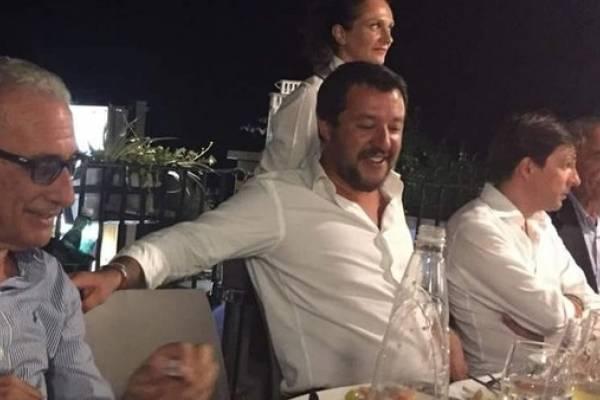 Salvini, ministro italiano que se fue de fiesta el día de la tragedia de Génova