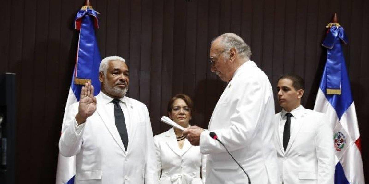 Radhamés Camacho se compromete a impulsar aprobación Código Penal