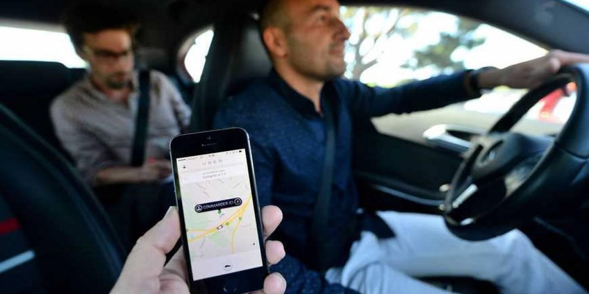 Uber anuncia cobros adicionales si se hace esperar mucho al conductor