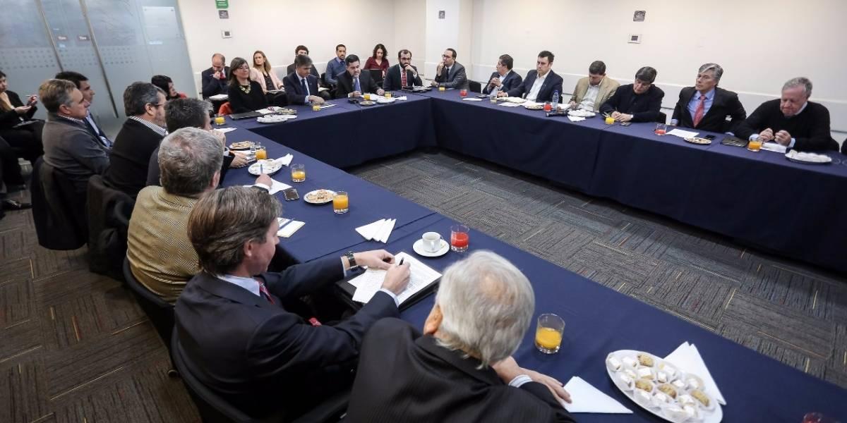 Ministerio de Economía convoca a mesa de trabajo sobre norma que regirá en industria salmonera