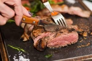 Dietas low carb, com restrição de carboidratos, reduzem expectativa de vida, indica estudo
