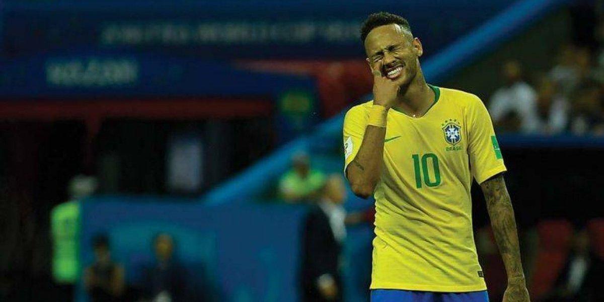 VIDEO: Luchador de la WWE explota contra Neymar
