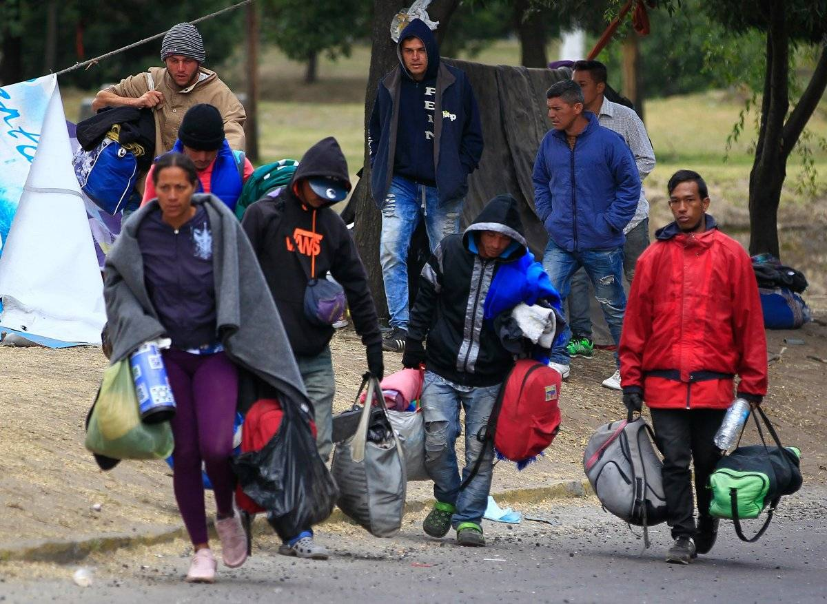 Decenas de venezolanos sin pasaporte en camino de Ecuador a Perú API