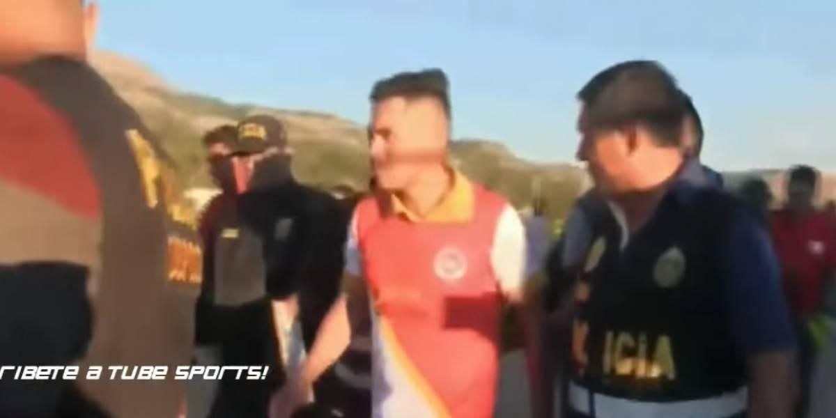 VIDEO: Arrestan a futbolista en pleno partido por falsa identidad