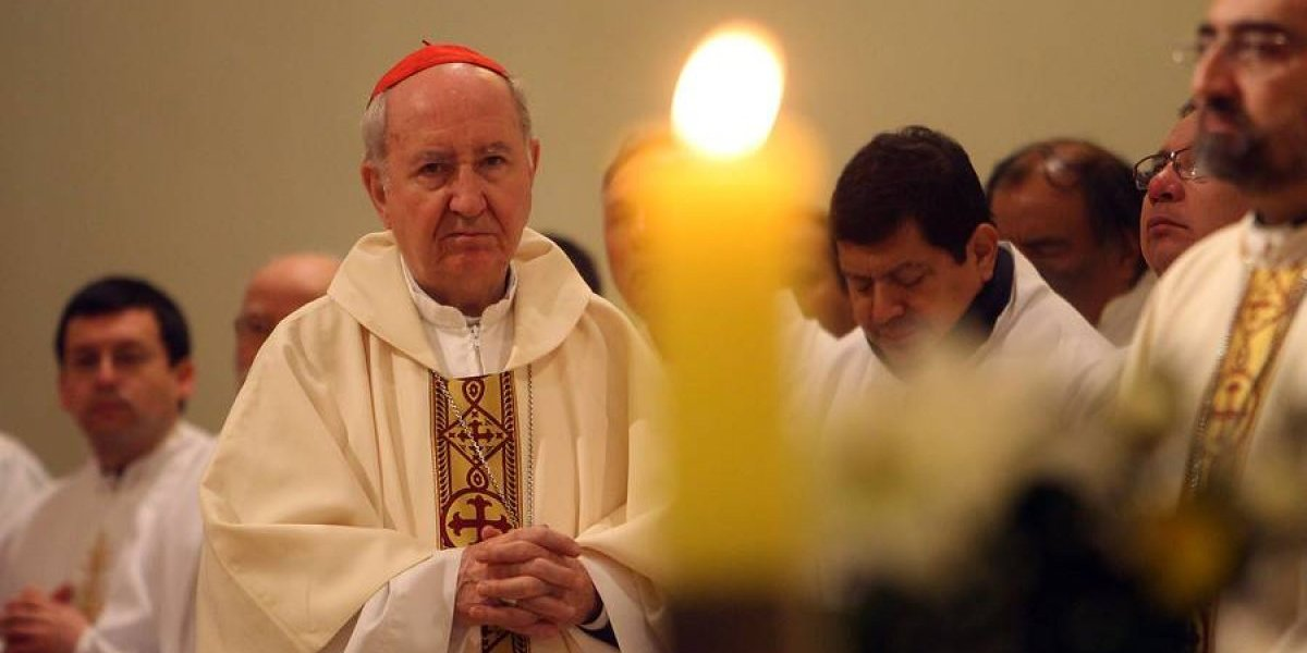 Papa Francisco habría expulsado a dos de sus asesores más cercanos