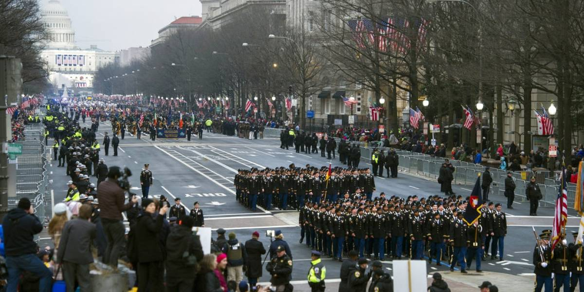 """Donald Trump cancela desfile militar debido a su costo """"ridículamente alto"""""""