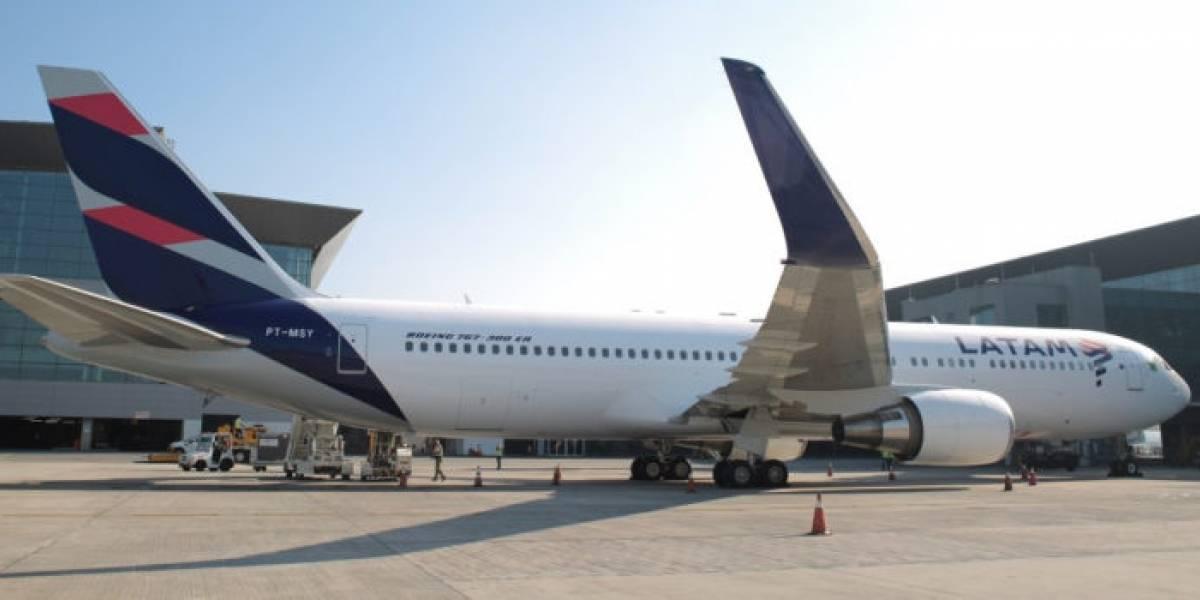Detienen a sospechoso de realizar amenazas de bombas a aviones en el aeropuerto de Santiago