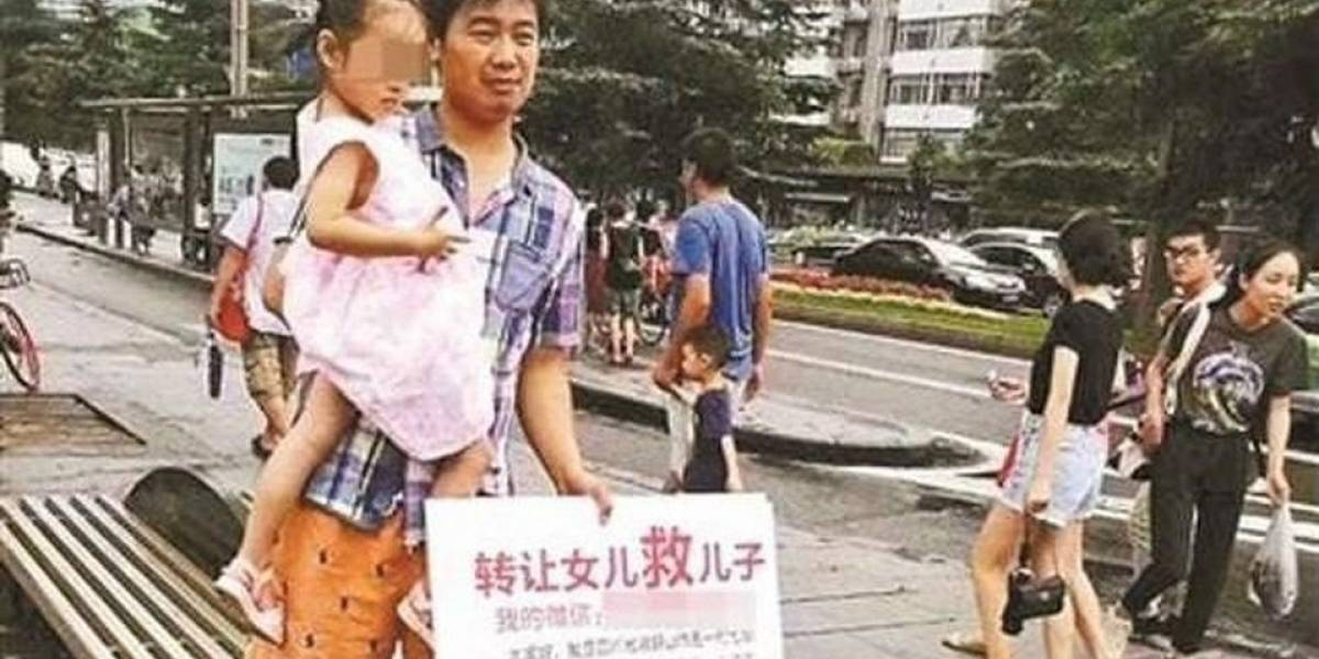 Padres salen a vender a su pequeña hija para costear tratamiento de su hermano con leucemia