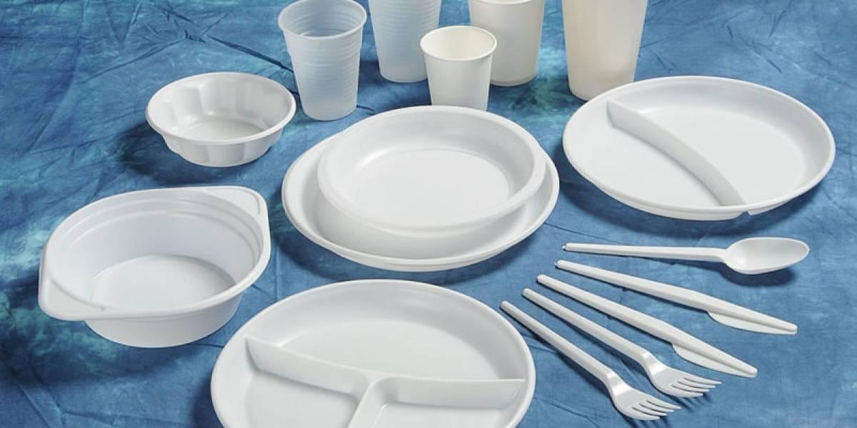 Presidente de Palau prohíbe uso del plástico desechable en los edificios gubernamentales