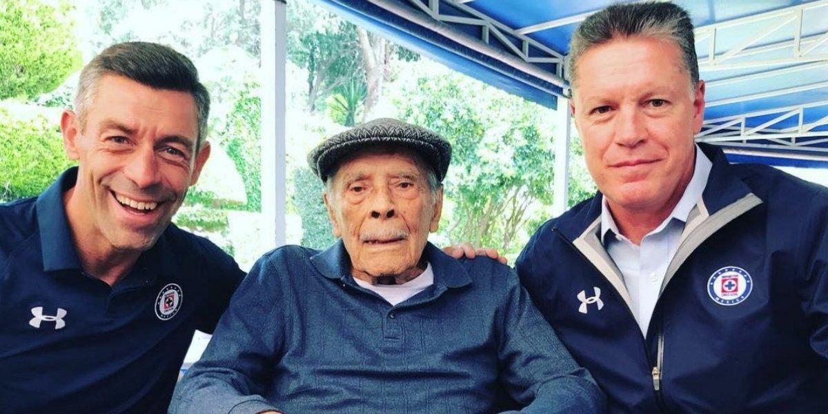 Peláez presume fotografía con Don Nacho Trelles