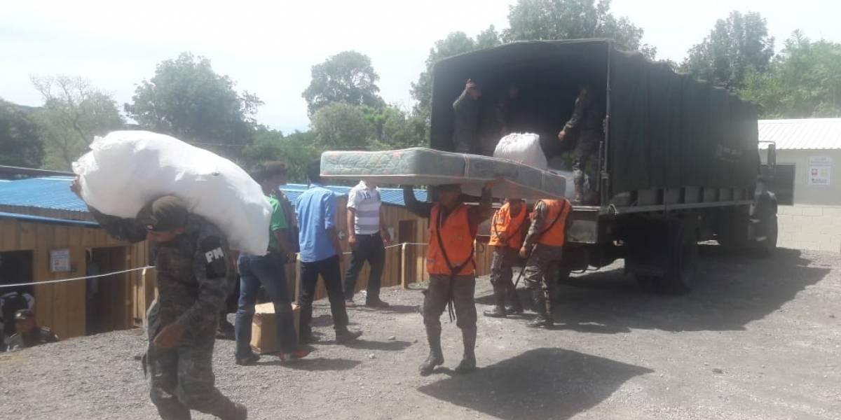 Termina traslado de familias a viviendas temporales en Alotenango