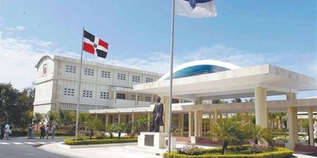 """UASD escogerá estudiante recibirá en Honduras premio """"Rubén Darío"""""""