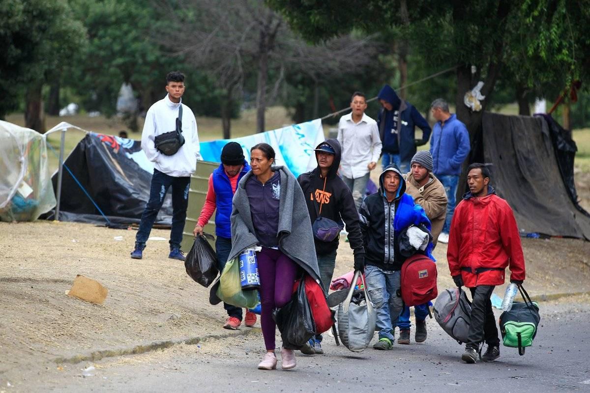 Ecuador: Cientos de emigrantes venezolanos que se hallaban a la intemperie son trasladados a refugios temporales EFE
