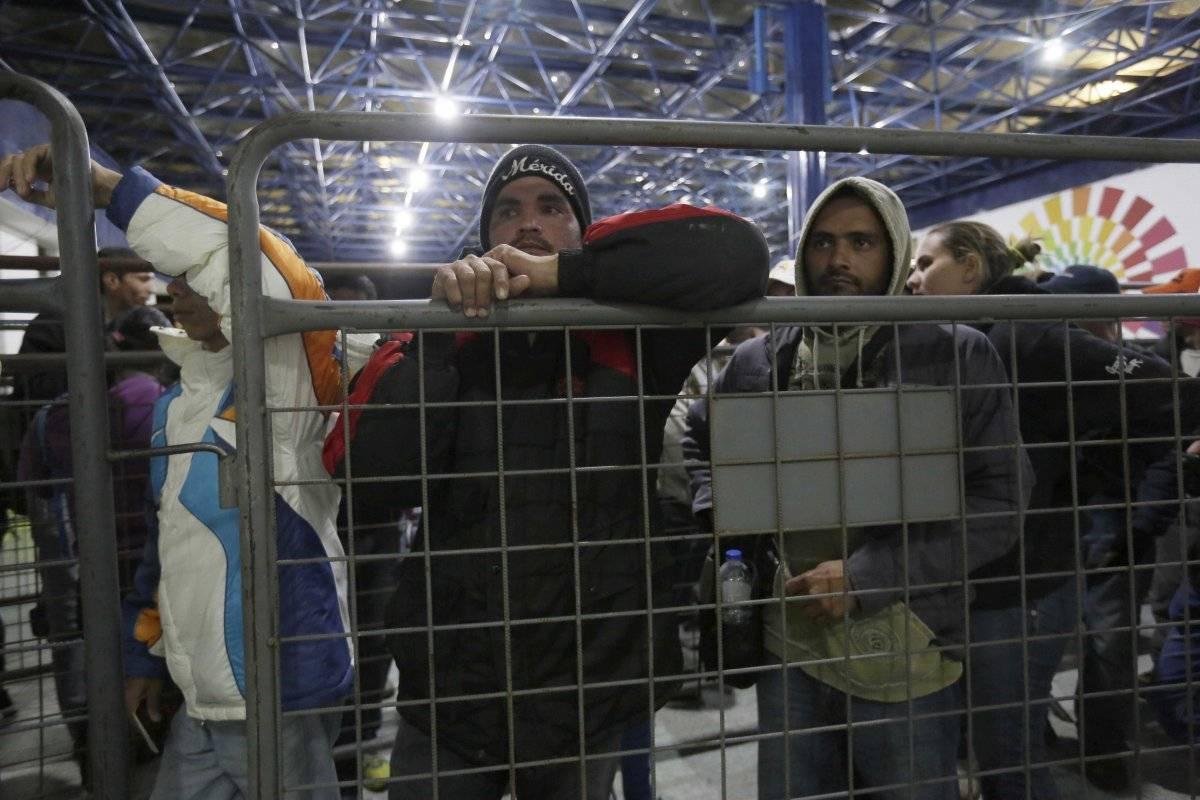 Más de dos millones de venezolanos han migrado para huir de la crisis del Gobierno de Nicolás Maduro AP