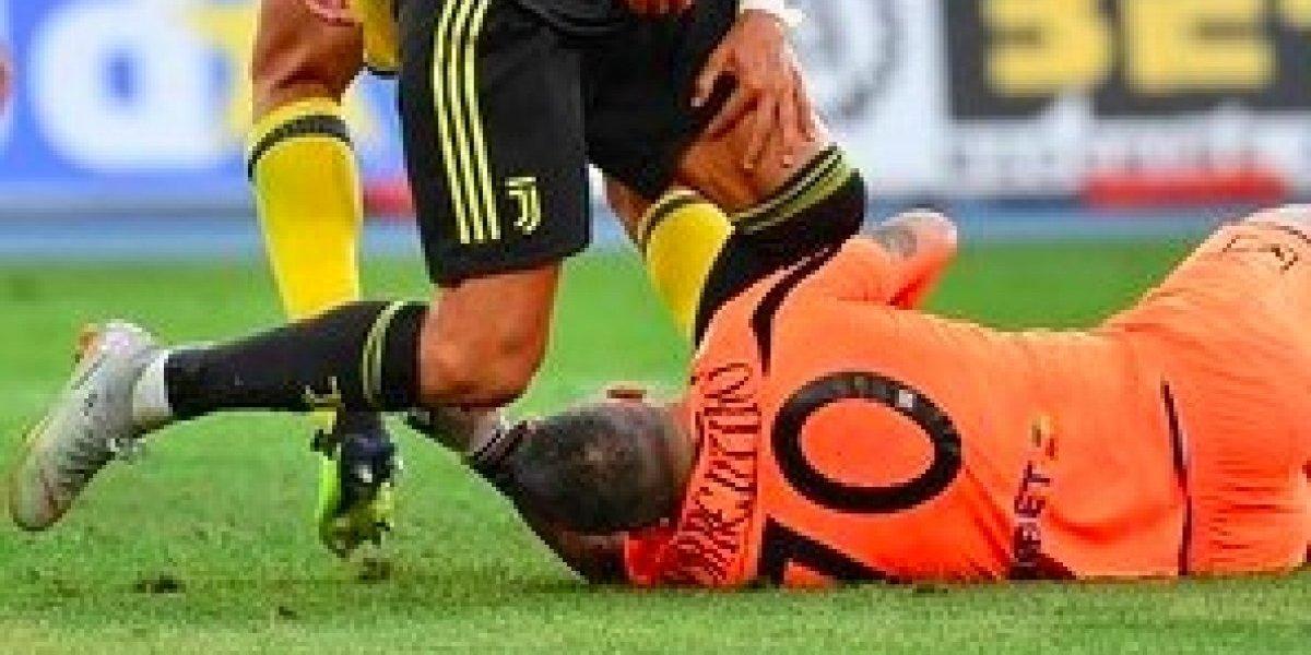 VIDEO: El rodillazo de Cristiano Ronaldo que casi conmociona al portero del Chievo