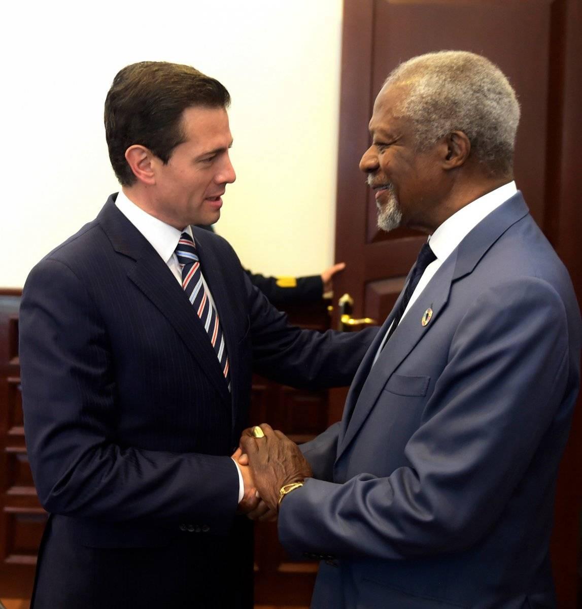 Kofi Annan conoció a los últimos tres presidentes de México. En la foto, con Enrique Peña Nieto Foto: Cuartoscuro