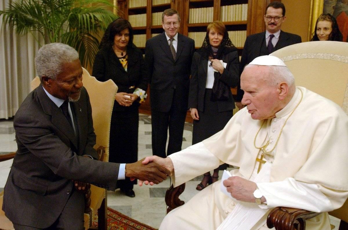 Kofi Annan y Juan Pablo II
