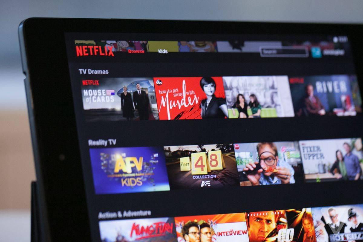 Netflix genera polémica por interrumpir contenido con promociones