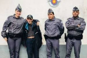 https://www.metrojornal.com.br/foco/2018/08/18/idoso-e-resgatado-apos-dois-dias-perdido-em-mata-de-sao-vicente.html