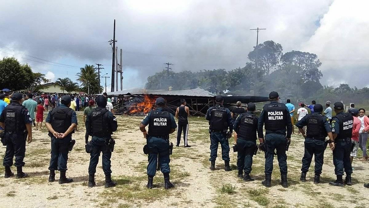 Venezolanos son expulsados de Paracaima: brasileños desmantelan con violencia campamento de refugiados