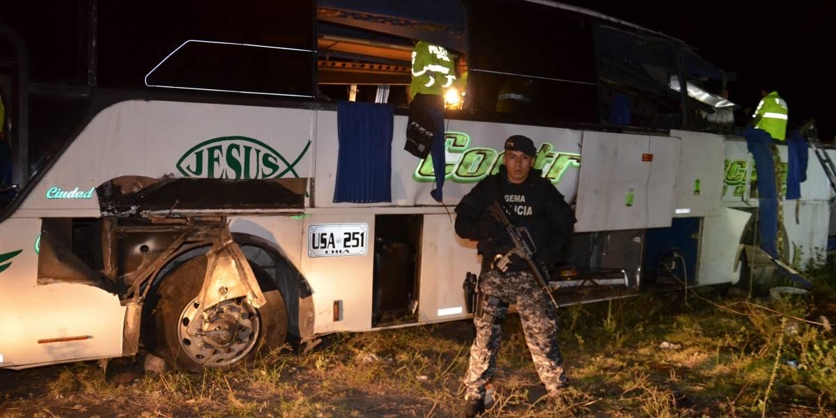 """Los audios del """"narcobús"""" que se estrelló en Ecuador con 24 muertos"""