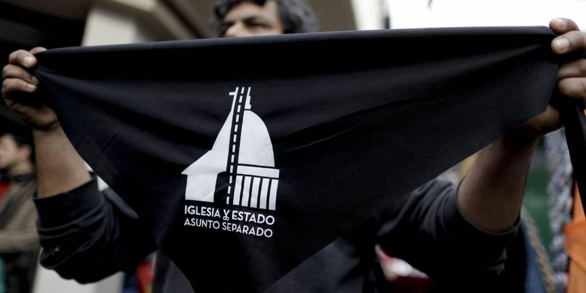Argentina: Miles buscan renunciar a la iglesia católica por oponerse al aborto